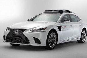 Toyota 'khoe' tài xế ảo tự lái trên xế sang Lexus LS 500h