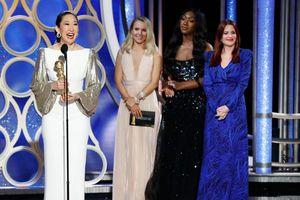 Nữ diễn viên gốc Á được xướng tên đoạt giải khi đang dẫn chương trình Quả Cầu Vàng 2019