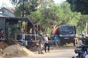 Bom nổ, 10 căn nhà bị hư hại