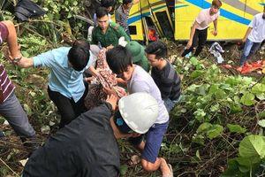 Xe chở sinh viên rơi xuống đèo Hải Vân: Nạn nhân kể lại giây phút kinh hoàng