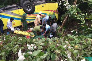 Nhà trường cùng thân nhân các sinh viên tức tốc bay đi Đà Nẵng