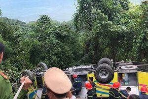 Thông tin mới nhất vụ xe khách lật ở đèo Hải Vân, 23 người gặp nạn