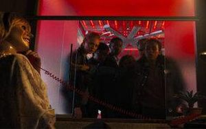 'Căn phòng sinh tử': Bộ phim dành cho fan của trò Escape Room lẫn franchise Saw và Final Destination