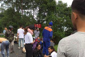 Đà Nẵng: Xe khách mất lái lao xuống vực, hơn 20 người thương vong