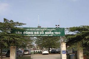 Ba Đình – Hà Nội: Tràn lan bãi trông giữ xe, sân bóng không phép?