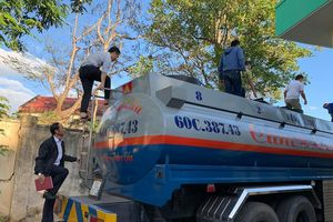 Làm giấy tờ giả chở 14.000 lít xăng từ TP.HCM về Đắk Lắk tiêu thụ