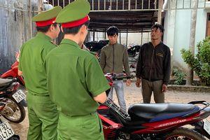 Quen trong trại giam, ra tù lại rủ nhau chuyên đi cướp giật tài sản
