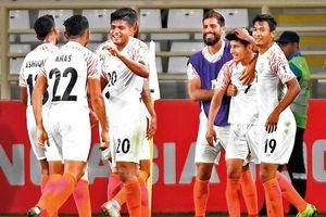 Ấn Độ muốn vô địch bảng A sau cơn mưa gôn