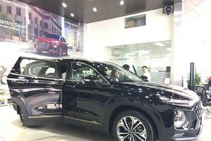 'Dài cổ' chờ đợi Hyundai Santa Fe 2019 ra mắt