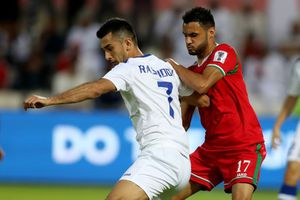 Uzbekistan chật vật giành 3 điểm ở trận ra quân bảng F Asian Cup