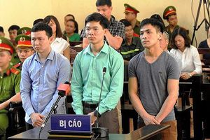 Hoãn phiên tòa vụ án tai biến chạy thận ở Hòa Bình