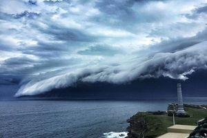 'Mây sóng thần': Hiện tượng thiên nhiên hùng vĩ trên bầu trời