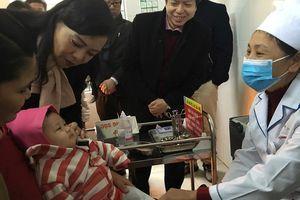 Bộ Y tế: Người dân không nên hoang mang với phản ứng sau tiêm Combe Five