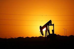 Tăng không ngừng, giá dầu lên sát 50USD/thùng