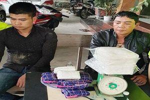Thanh Hóa: Bắt giữ 2 đối tượng vận chuyển hơn 17 nghìn viên ma túy