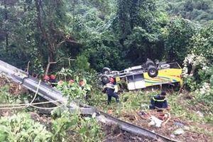 Thông tin mới nhất về vụ xe chở sinh viên lao xuống đèo Hải Vân
