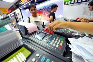 Ngân hàng phải cảnh báo các thủ đoạn của tội phạm thẻ cho khách hàng