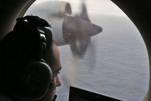 Bất ngờ tìm thấy mảnh vỡ mới, người nhà nạn nhân MH370 kêu gọi nối lại cuộc điều tra
