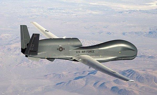 Syria: Phát hiện chiến đấu cơ Mỹ 'sục sạo' sát căn cứ Nga
