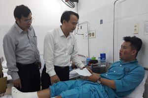 Ngành GD&ĐT thăm hỏi, động viên thầy trò gặp tai nạn trên đèo Hải Vân
