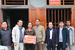 Khánh thành, bàn giao nhà cho hộ nghèo ở xã Ninh Vân