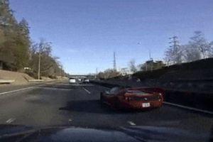 Video Ferrari 360 mất lái gây tai nạn khi đua cùng Ferrari F50