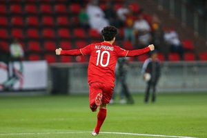 HLV Iraq: Trong bóng đá, không có may mắn thì không thắng được