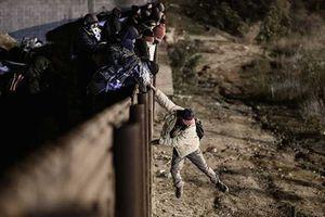 Ông Trump gặp rủi ro nếu xây tường Mexico