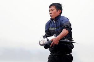 'Canh bạc' khắc nghiệt bên dòng sông Đà mùa nước cạn