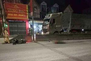 Nghệ An: Một người đàn ông tử vong tại chỗ sau va chạm với xe tải
