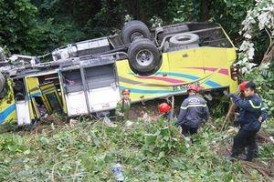 Chính thức khởi tố tài xế xe khách chở hàng chục sinh viên gặp nạn trên đèo Hải Vân