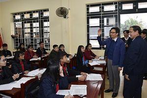 Phó Thủ tướng mong các thầy cô 'chân cứng đá mềm'