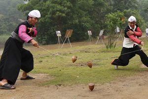 Không can thiệp vào phong tục tết cổ truyền của người Mông