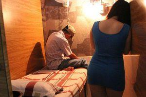 TP.HCM: Đột kích Spa, phát hiện nhiều cặp nam nữ đang thực hiện hành vi mua bán dâm