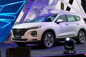 Yết giá 995 triệu đồng, Hyundai Santa Fe 2019 tiêu chuẩn được trang bị những gì?