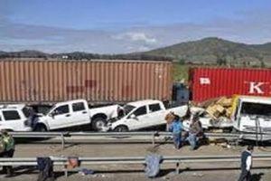 Đâm xe liên hoàn tại Chile làm 20 người thương vong