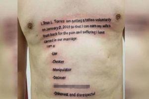 Chồng chuộc lỗi với vợ bằng cách xăm bản kiểm điểm lên ngực