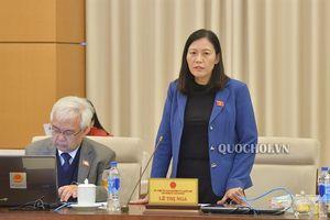 Ủy ban Thường vụ Quốc hội xem xét, quyết định việc cử Ủy viên Hội đồng tuyển chọn, giám sát thẩm phán quốc gia