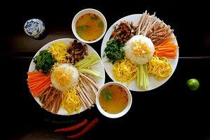 Cơm âm phủ - món ăn kỳ lạ hấp dẫn du khách ở Huế
