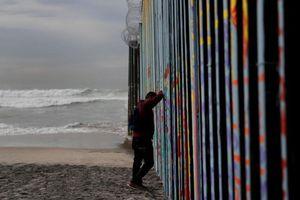 Người di cư tuyệt vọng tại biên giới Mexico - Mỹ