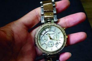 Chọn mặt gửi vàng khi đặt mua đồng hồ xách tay
