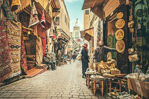 Morocco - tòa lâu đài cũ kỹ và những ô cửa đầy sắc màu