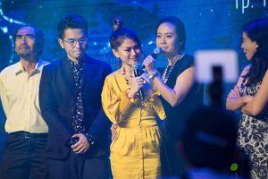 Hồng Ánh, Ngọc Thanh Tâm bật khóc khi nói về phim 'Đảo của dân ngụ cư'