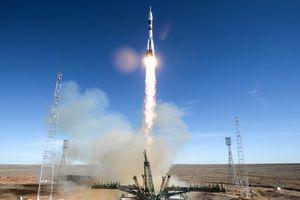 NASA nhờ Nga đưa phi hành gia Mỹ lên mặt trăng