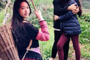'MC triệu đô' Quyền Linh đăng ảnh du lịch, ai cũng trầm trồ 2 cô con gái chân dài