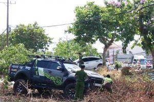 Hai ô-tô va chạm lao lên lề đường tông chết người bán dưa hấu