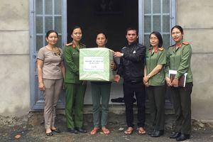Phụ nữ CATP ủng hộ sửa chữa nhà cho phụ nữ nghèo