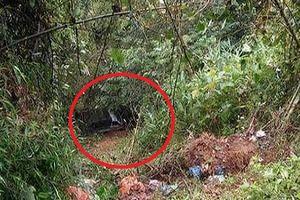 Phát hiện cô gái tử vong trong ôtô nằm dưới vực sâu