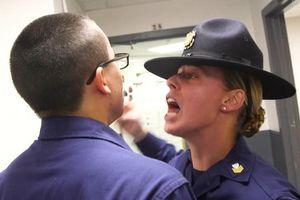 Huấn luyện tuần duyên Mỹ: Từ công tử thành chiến binh!