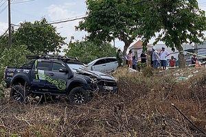Hai ôtô tông nhau rồi lao lên vỉa hè, người bán dưa tử vong